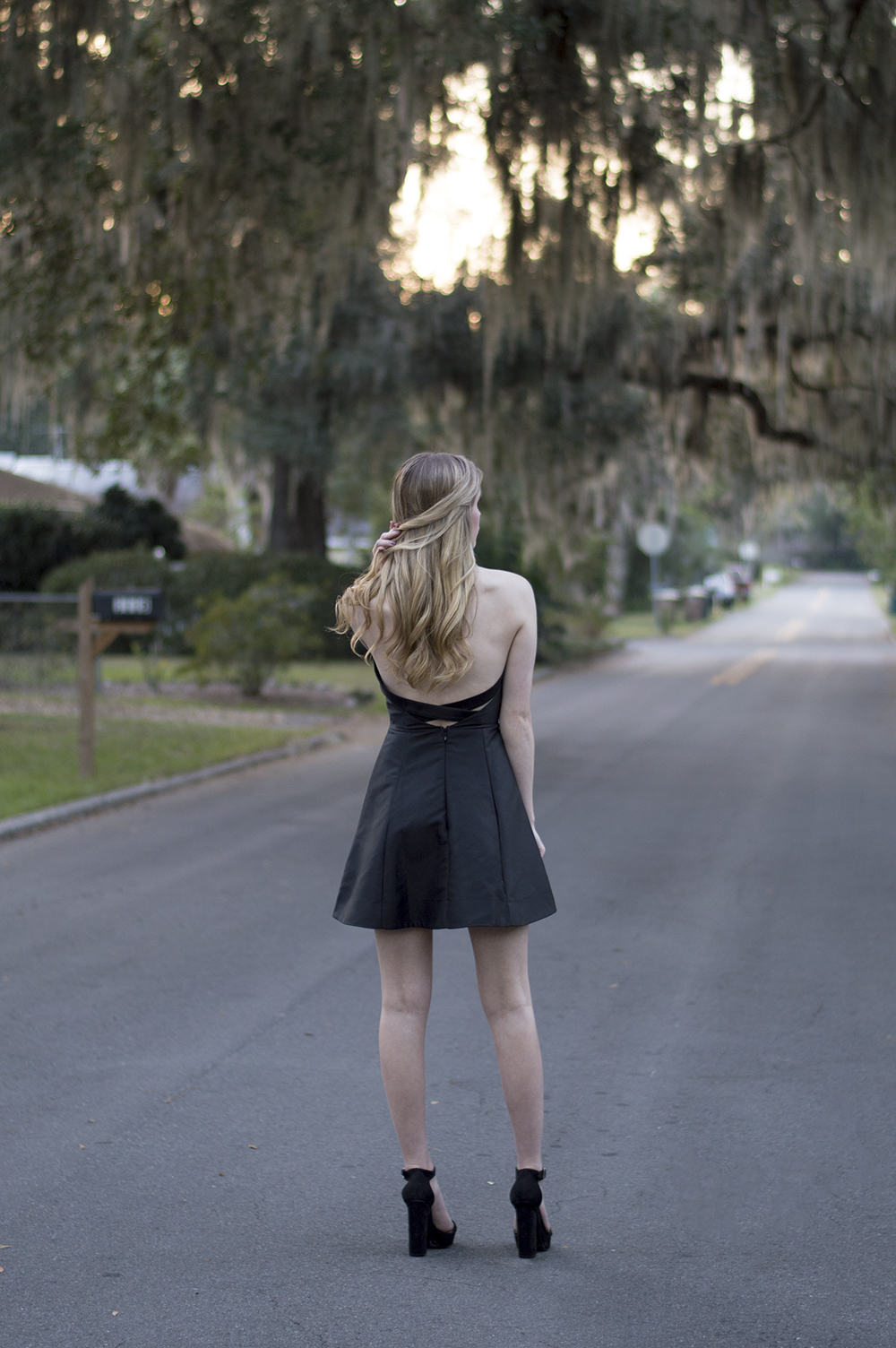 styelled-blog-fashion-blogger-style-fall-trends-winter-little-black-dress-forever-21-blonde-sweater-weather-04