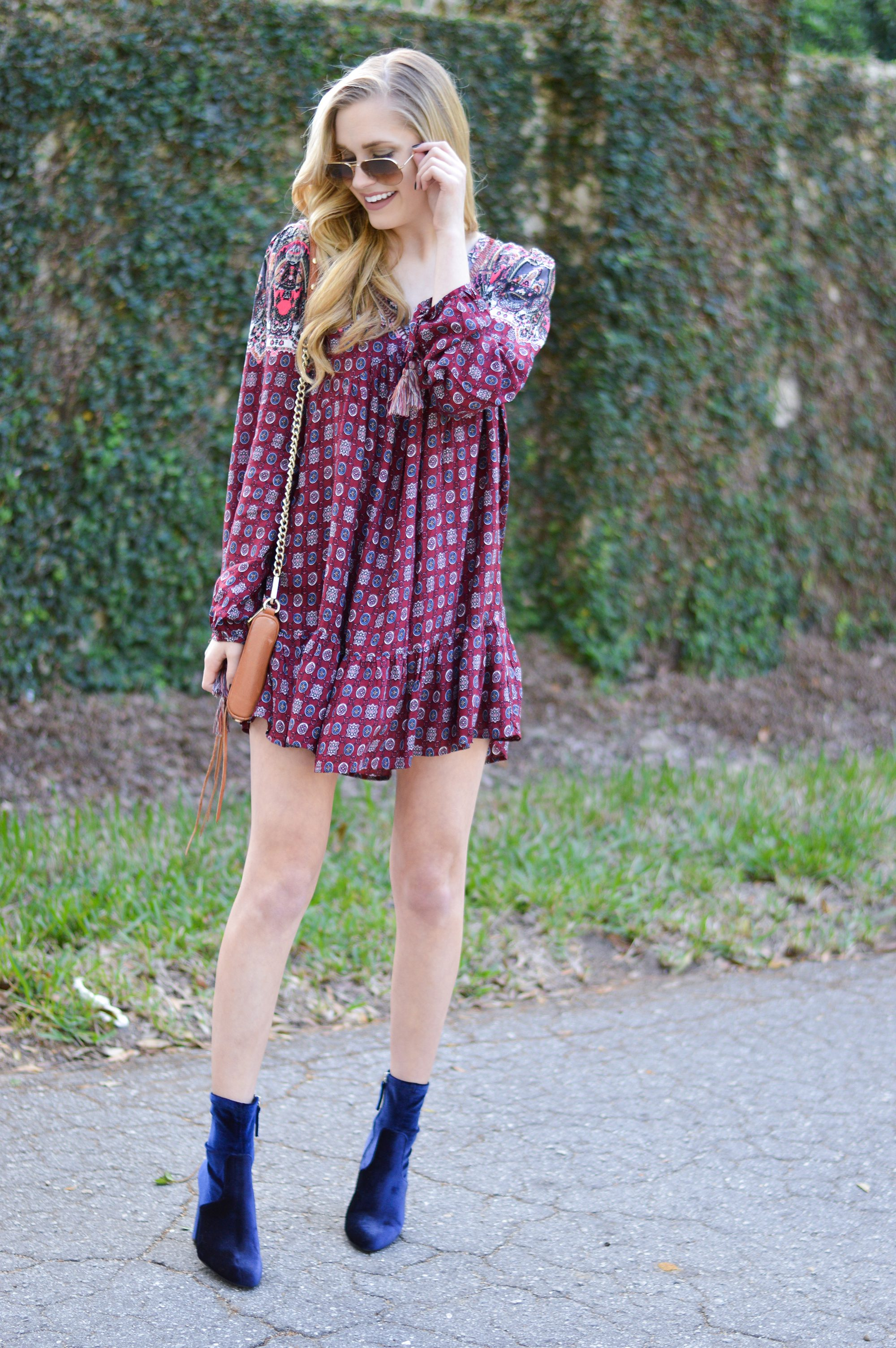 styelled-blog-fblogger-style-blogger-fashion-trends-fall-fashions-trendy-sweater-weather-dresses-fall-dress-suede-velvet-blue-blonde-src-shannon-roth-collections-ootd-umgee-04