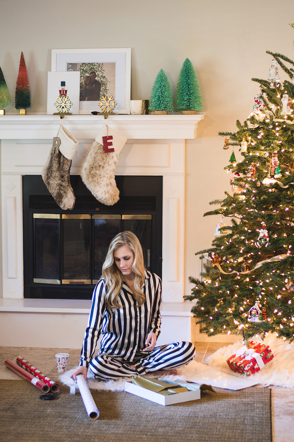 styelled-blog-fashion-blogger-style-wrapping-target-paper-christmas-gift-wrap-bows-glitter-nutcracker-tree-ornaments-stockings-pajamas-boohoo-tutorial-diy-01