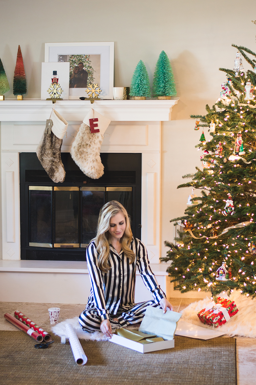 styelled-blog-fashion-blogger-style-wrapping-target-paper-christmas-gift-wrap-bows-glitter-nutcracker-tree-ornaments-stockings-pajamas-boohoo-tutorial-diy-02