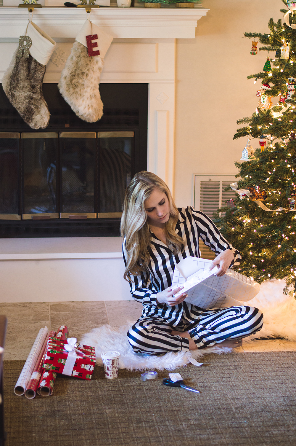 styelled-blog-fashion-blogger-style-wrapping-target-paper-christmas-gift-wrap-bows-glitter-nutcracker-tree-ornaments-stockings-pajamas-boohoo-tutorial-diy-10