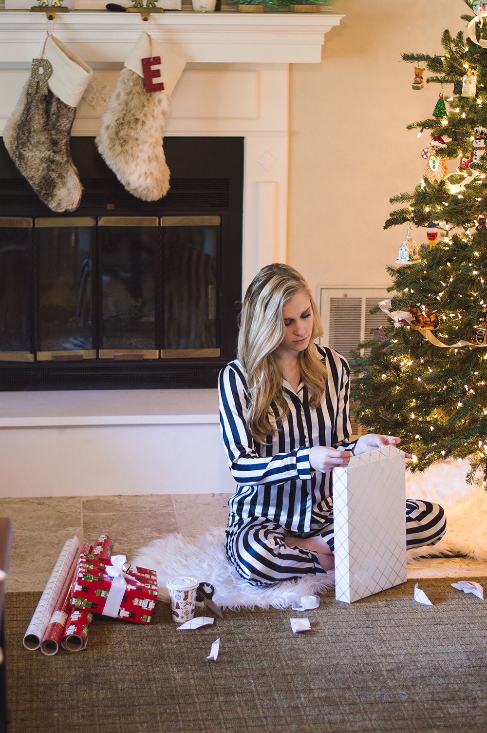 styelled-blog-fashion-blogger-style-wrapping-target-paper-christmas-gift-wrap-bows-glitter-nutcracker-tree-ornaments-stockings-pajamas-boohoo-tutorial-diy-14