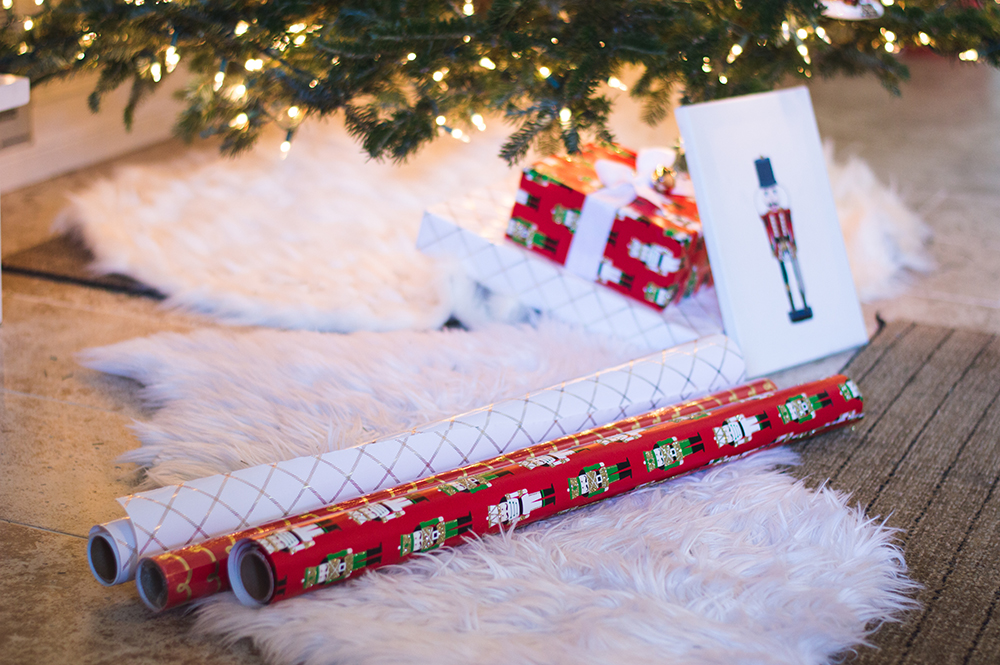 styelled-blog-fashion-blogger-style-wrapping-target-paper-christmas-gift-wrap-bows-glitter-nutcracker-tree-ornaments-stockings-pajamas-boohoo-tutorial-diy-22