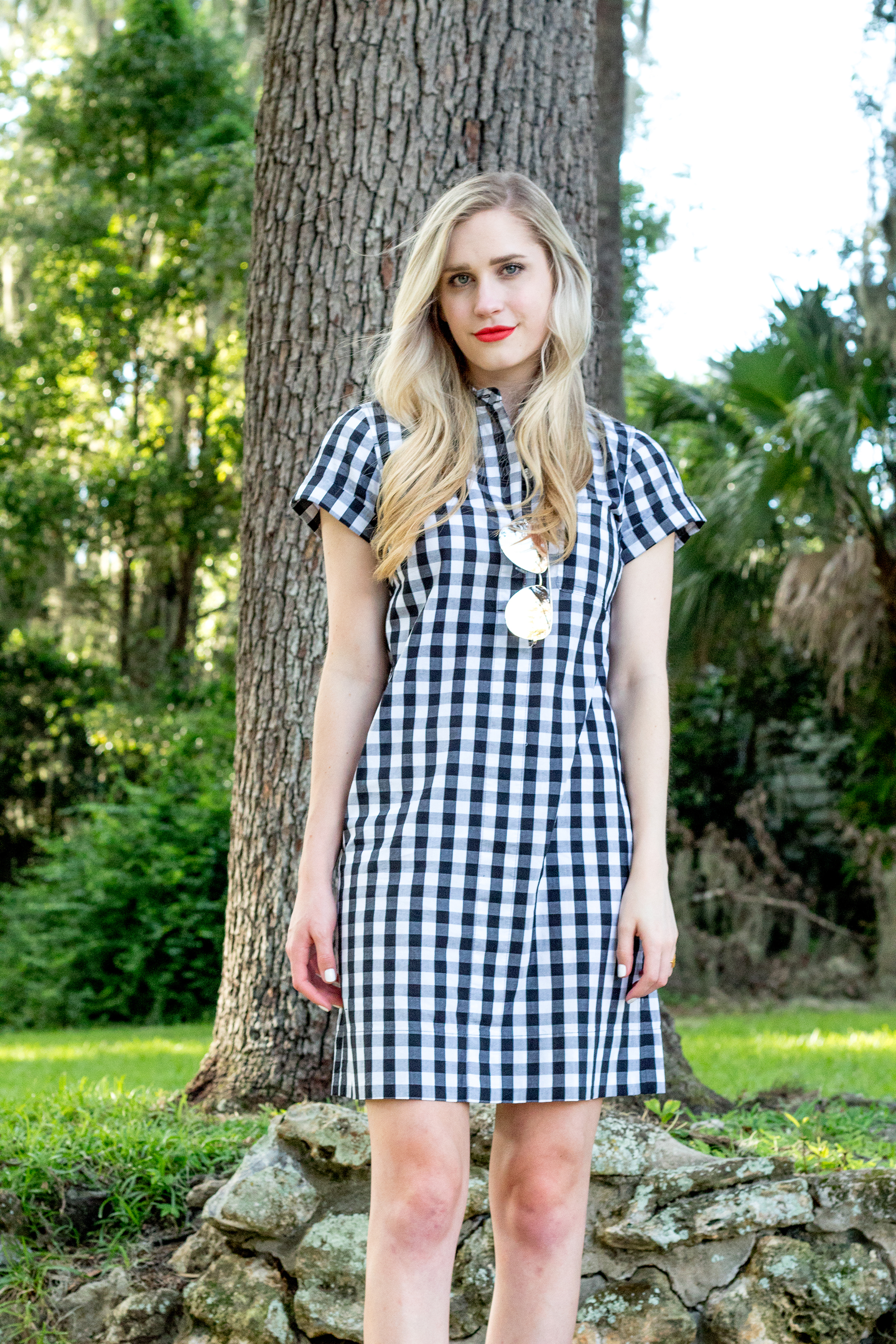 jcrew-j.crew-boxed-water-gingham-black-and-white-checkered-shirtdress-shirt-dress-ootd-styelled-elle-elisabeth-fashion-style-blogger-wiw-adidas-superstar-quay-australia-desi-perkins-01