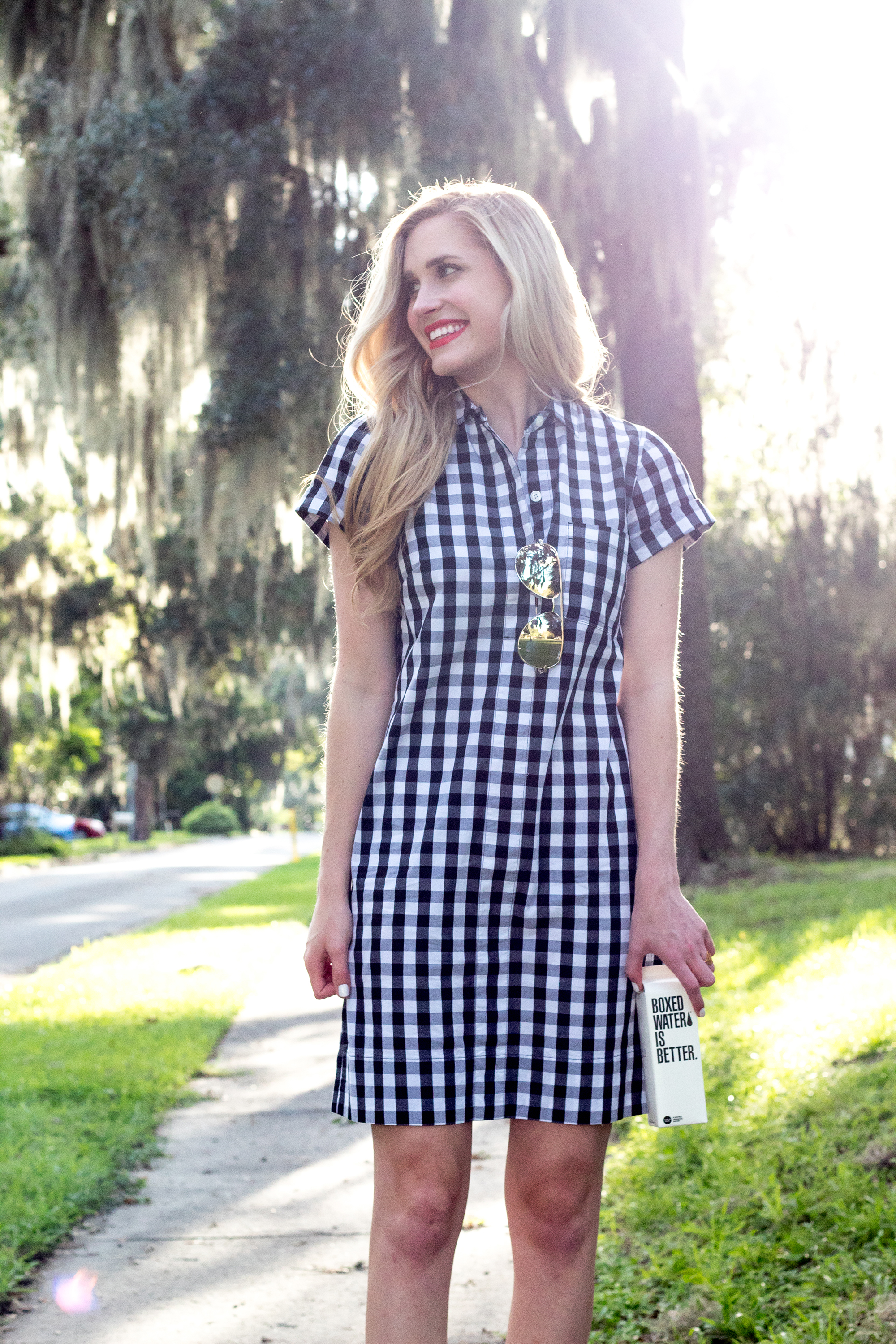 jcrew-j.crew-boxed-water-gingham-black-and-white-checkered-shirtdress-shirt-dress-ootd-styelled-elle-elisabeth-fashion-style-blogger-wiw-adidas-superstar-quay-australia-desi-perkins-04