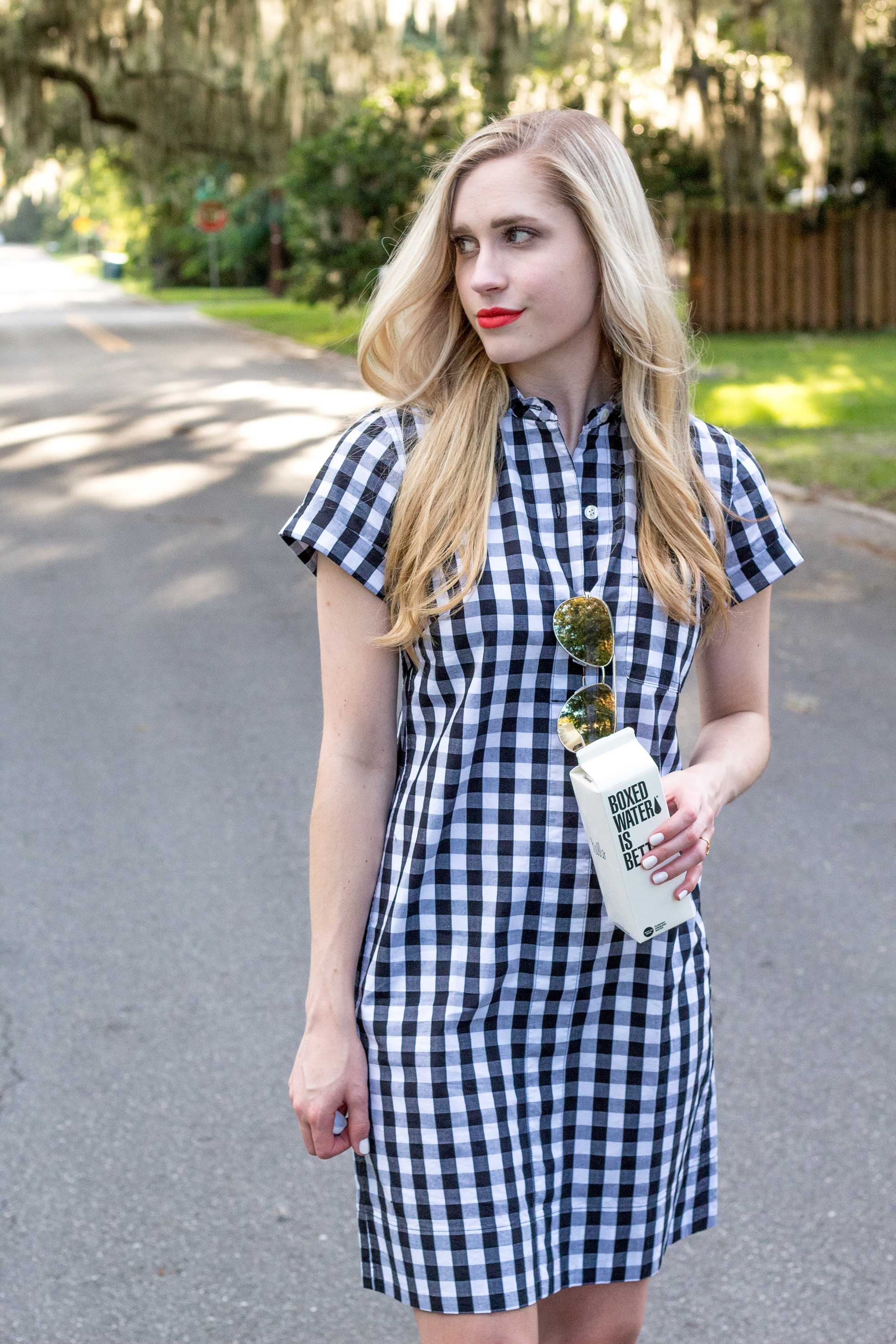 jcrew-j.crew-boxed-water-gingham-black-and-white-checkered-shirtdress-shirt-dress-ootd-styelled-elle-elisabeth-fashion-style-blogger-wiw-adidas-superstar-quay-australia-desi-perkins-07