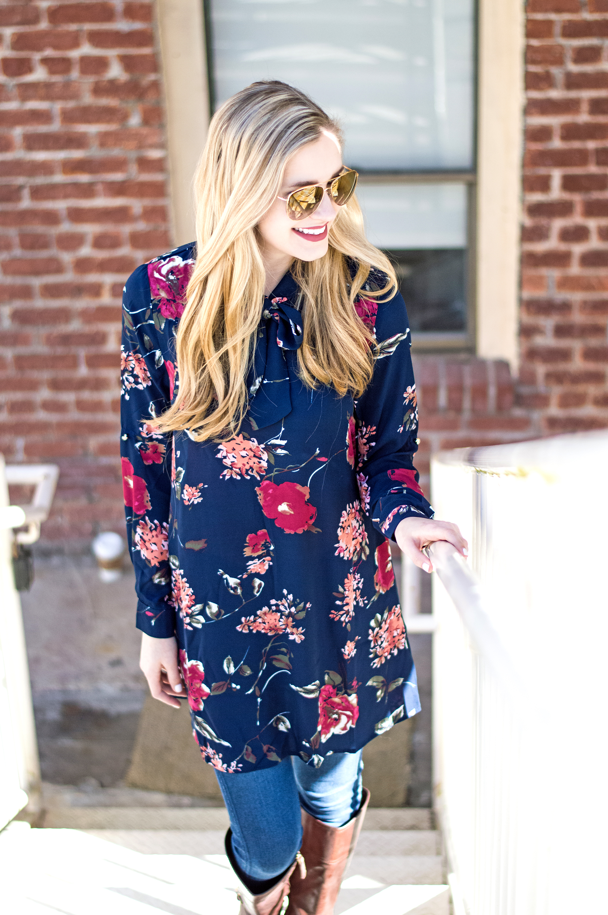 styelled-blog-elle-elisabeth-brick-city-closet-floral-tunic-bow-burberry-sunglasses-hudson-jeans-tory-burch-starbucks-ltkit-fblogger-style-fashion-blogger-valentine's-date-01