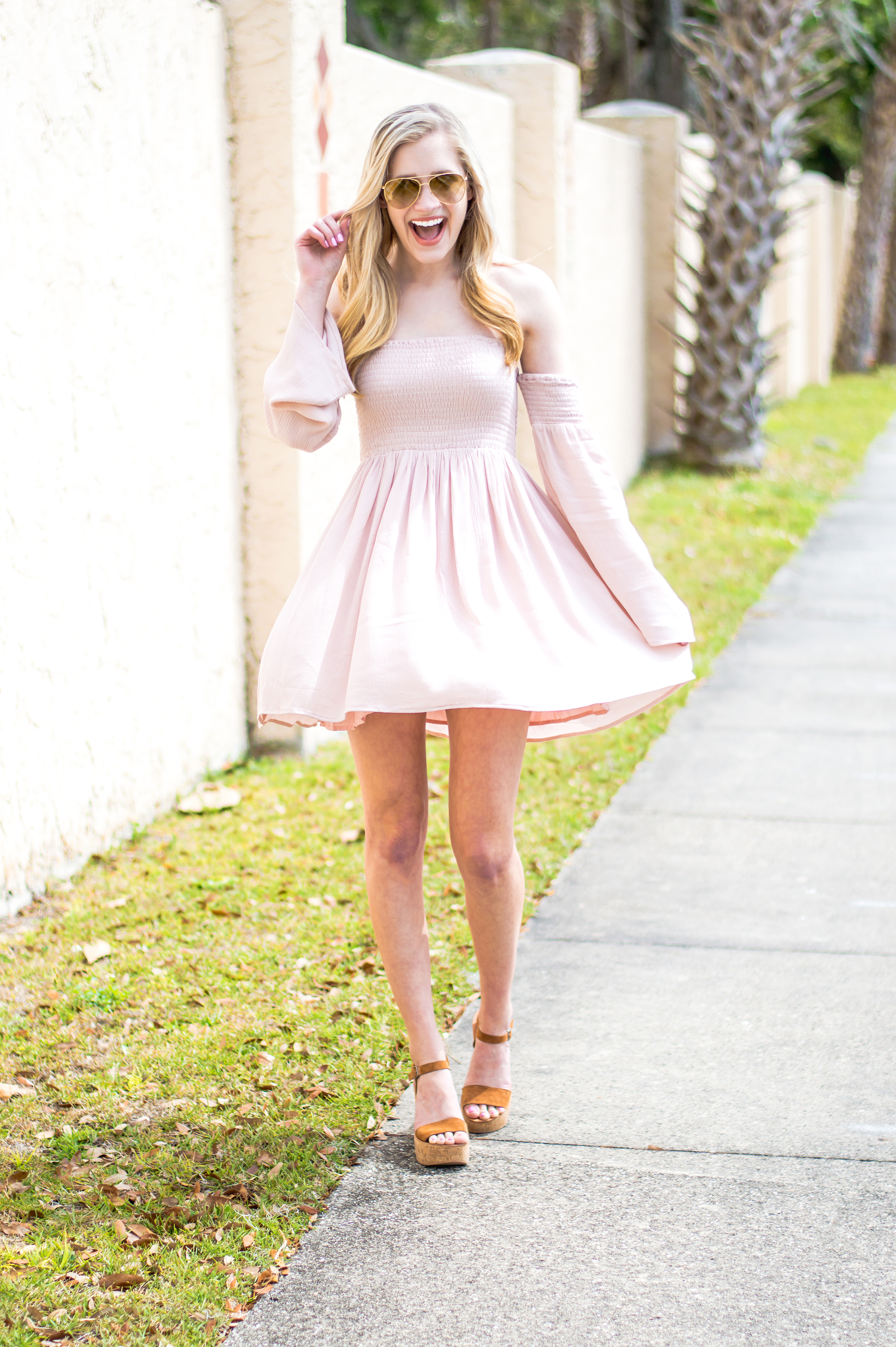 styelled-blog-elle-elisabeth-fashion-style-blogger-florida-tobi-clothing-sundress-blush-dress-burberry-sunglasses-aviator-dolce-vita-01