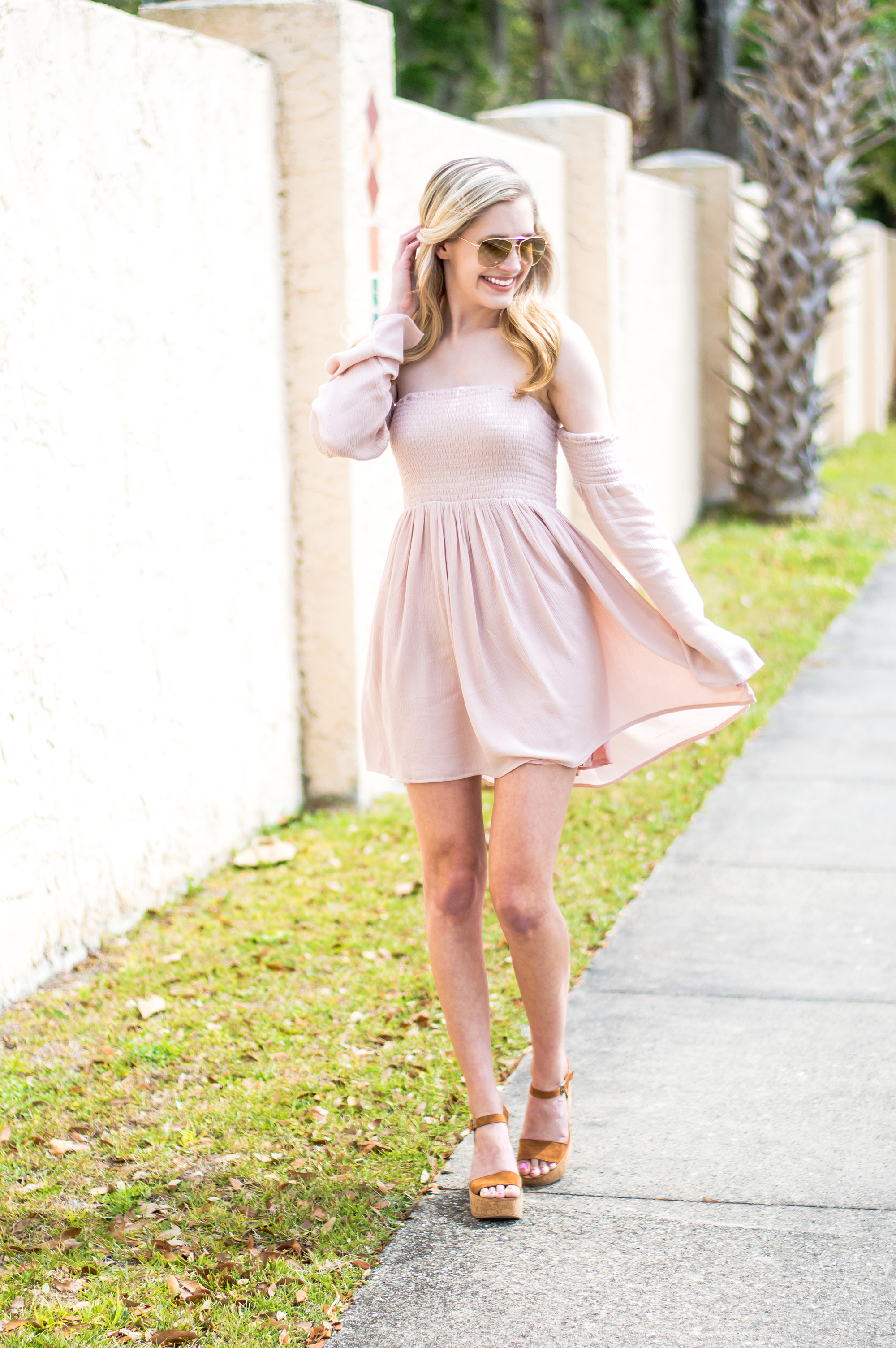 styelled-blog-elle-elisabeth-fashion-style-blogger-florida-tobi-clothing-sundress-blush-dress-burberry-sunglasses-aviator-dolce-vita-02
