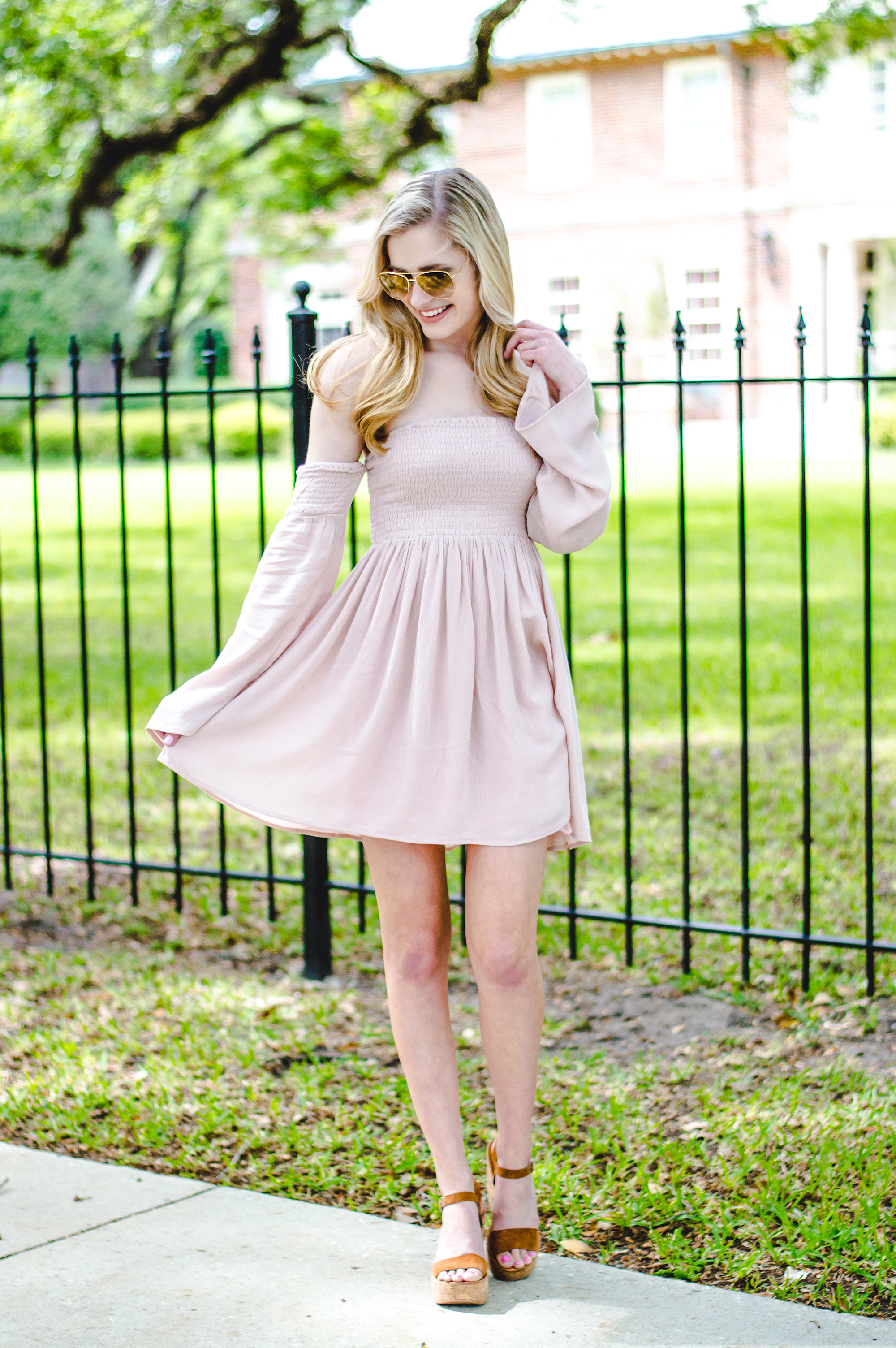 styelled-blog-elle-elisabeth-fashion-style-blogger-florida-tobi-clothing-sundress-blush-dress-burberry-sunglasses-aviator-dolce-vita-05