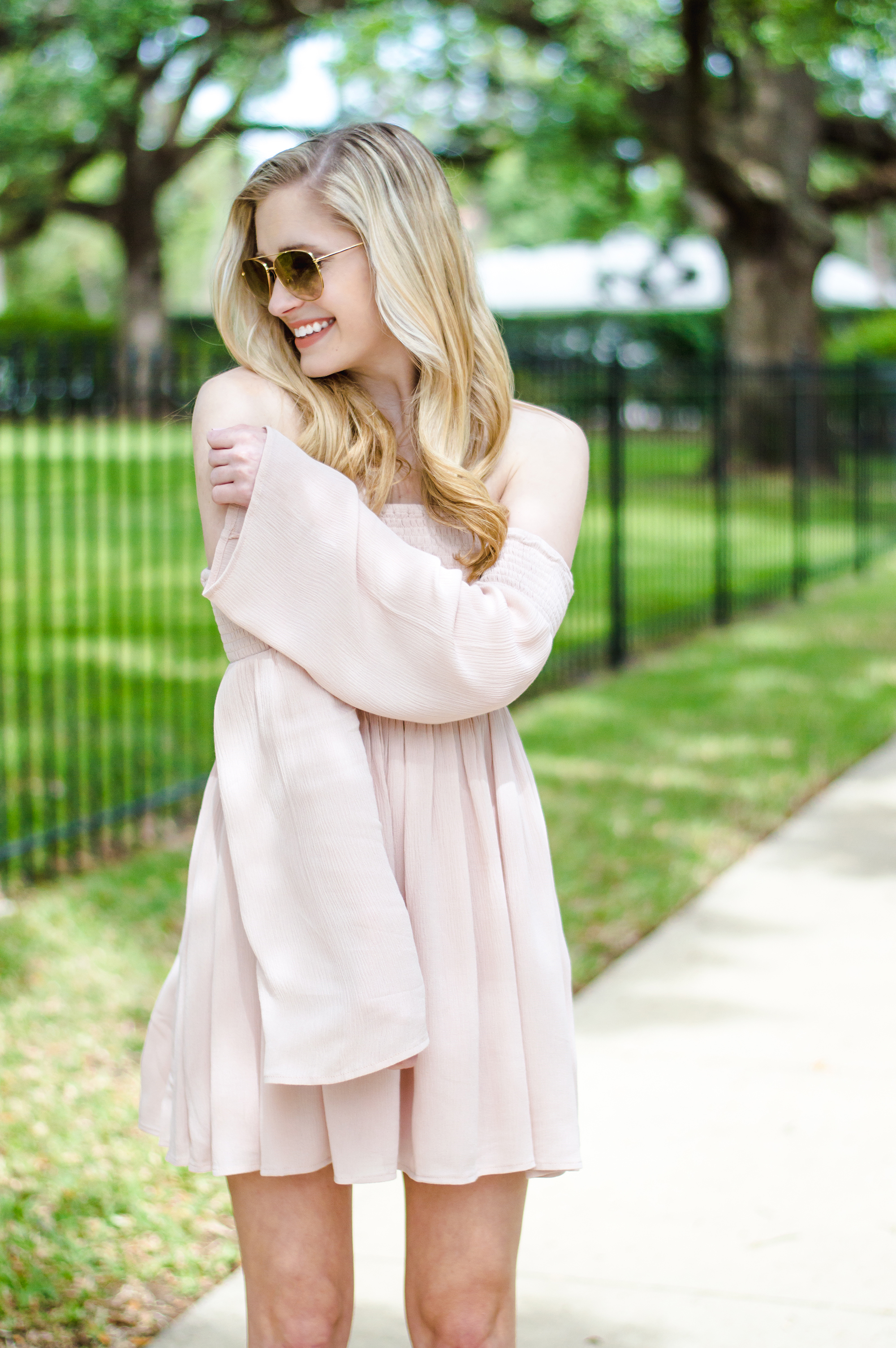 styelled-blog-elle-elisabeth-fashion-style-blogger-florida-tobi-clothing-sundress-blush-dress-burberry-sunglasses-aviator-dolce-vita-10