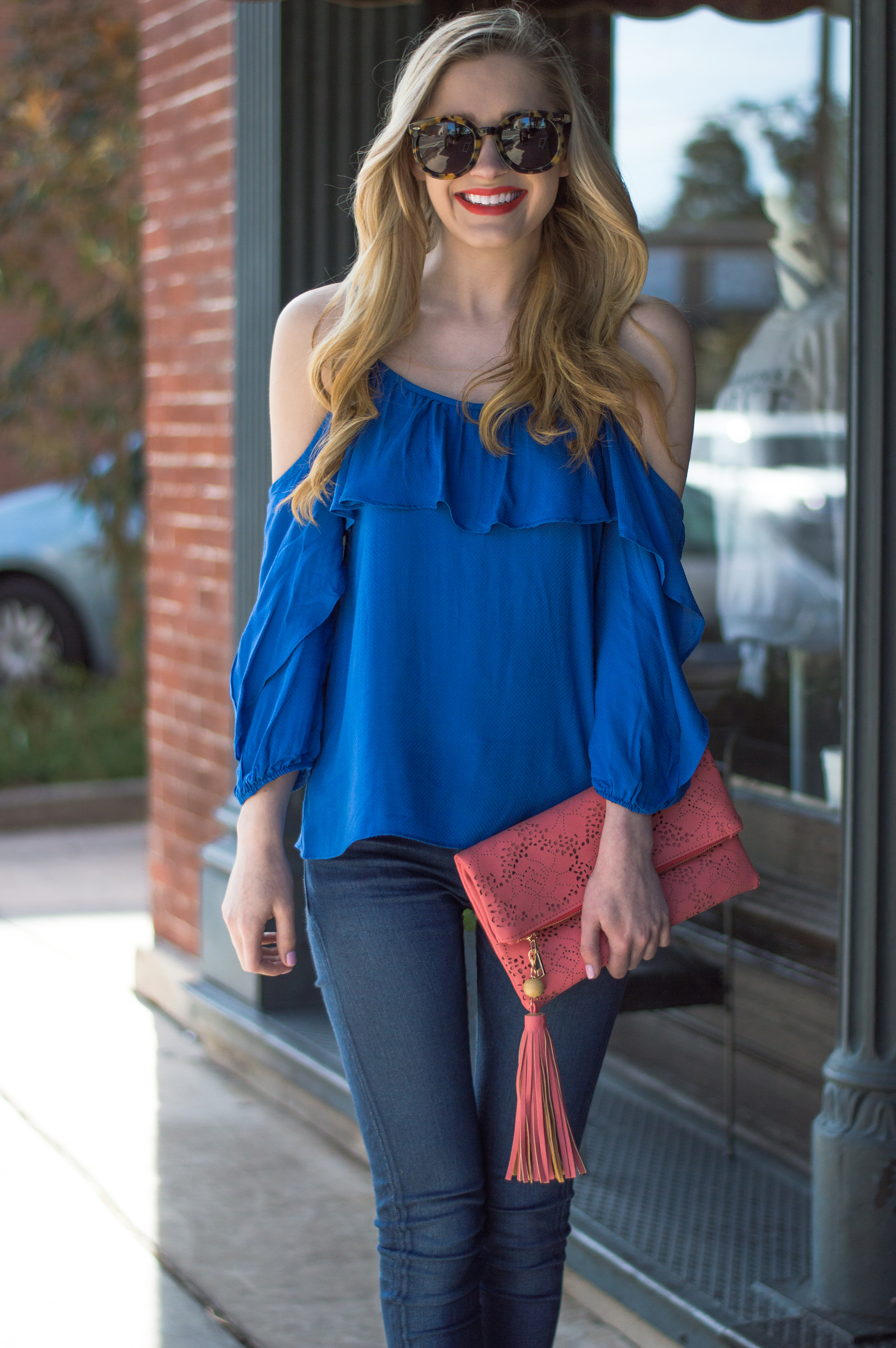 styelled-blog-elle-elisabeth-ootd-hudson-jeans-off-the-shoulder-top-karen-walker-super-duper-thistle-mac-lady-danger-jessica-simpson-brick-city-closet-spring-blue-06