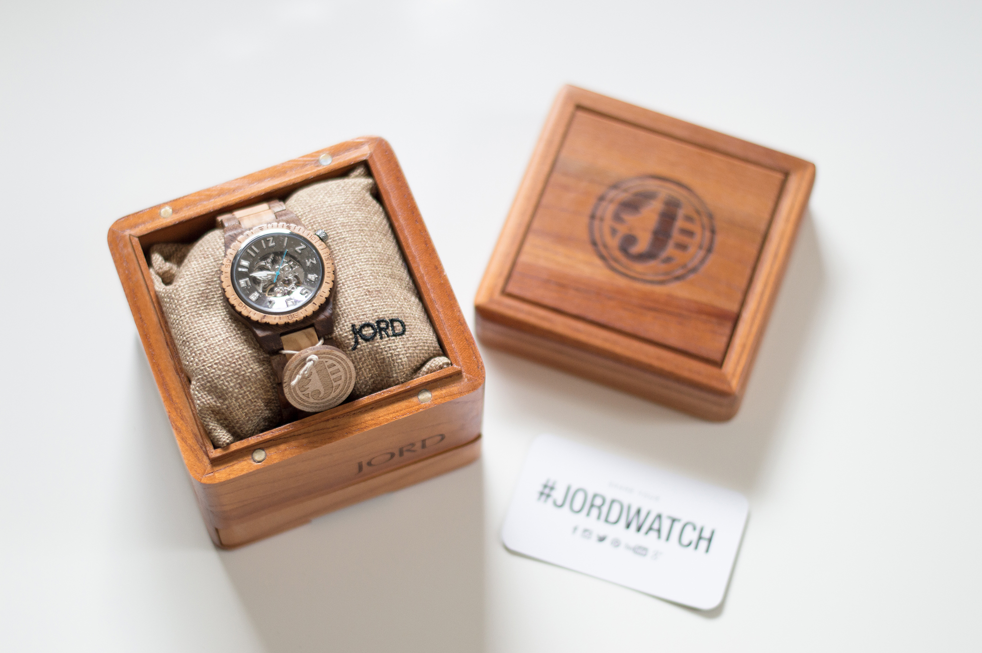 styelled-elle-elisabeth-fashion-style-blogger-jord-wood-watches-luxury-watch-dover-series-valentines-day-for-him-ootd-australian-labradoodle-03