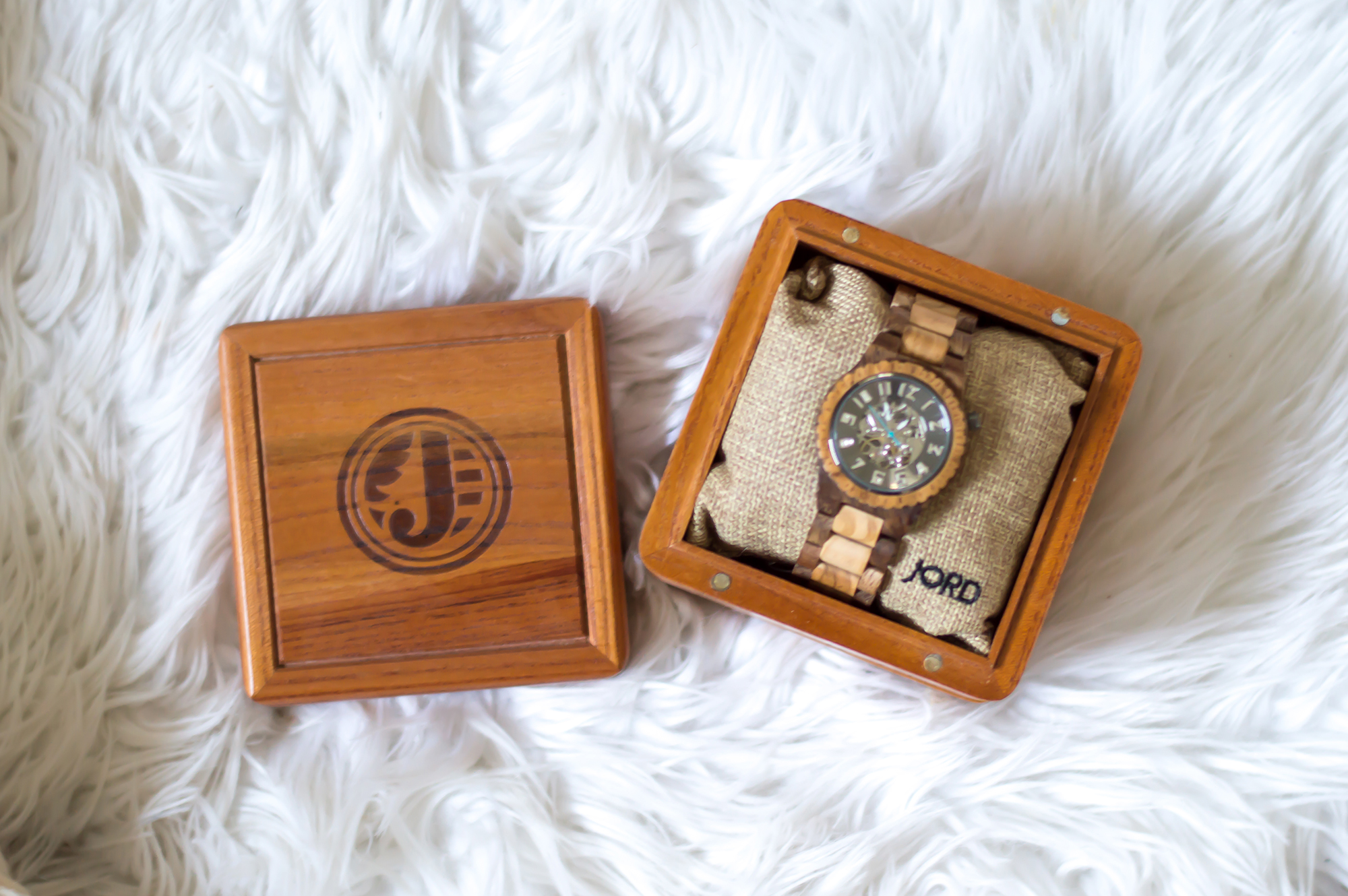 styelled-elle-elisabeth-fashion-style-blogger-jord-wood-watches-luxury-watch-dover-series-valentines-day-for-him-ootd-australian-labradoodle-09